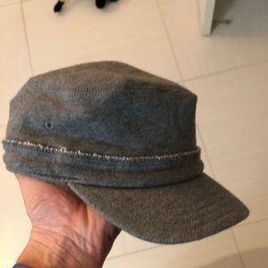 Baby Gap hat S/M (12-24mo)